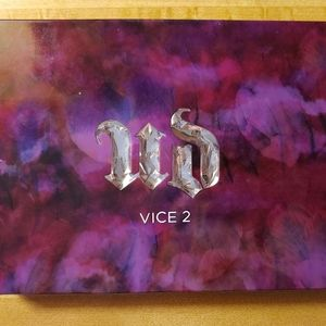 ⭐Urban Decay Vice 2 Palette⭐